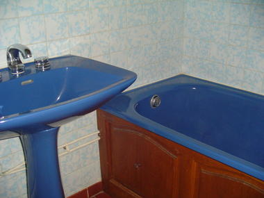 location roquebrun_vidal mireille_salle de bains