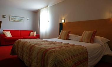 logis herault - pavillon - chambre 2