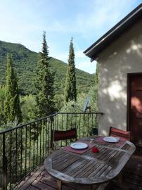 La cave à vin-Belle vue depuis cette  terrasse.
