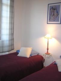 Chambre rdc/2 lits simples
