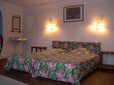 MANOIR LA BARDOULAIS - Chambre double du 2nd - St Méloir