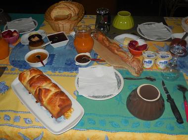 B&B La Lande Grèle - petit déjeuner - Saint Jouan des Guerets