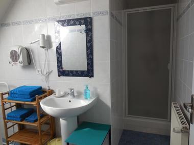 B&B La Lande Grèle - salle douche1 - Saint Jouan des Guerets