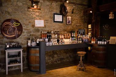 Boutique-Musee-du-cidre-PleudihenRance-2