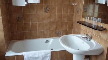 COTE D'EMERAUDE - salle de bain - St Malo