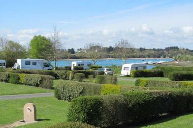 Camping-Pont-Laurin-Saint-Briac-camping-cars-et-vue