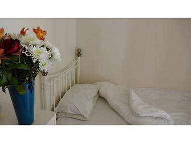 Chambre-1-petit-lit