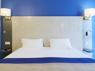Chambre double bleue - Kyriad Prestige - Saint-Malo