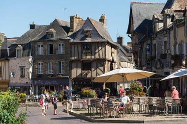 Visites autour de La Gacilly, Malestroit, et Guer