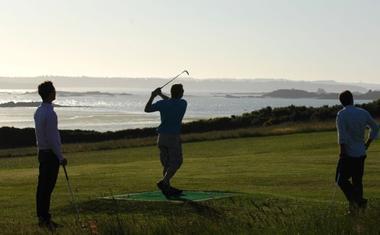 Golf-Gaea-Lancieux-golfeurs-vue-mer