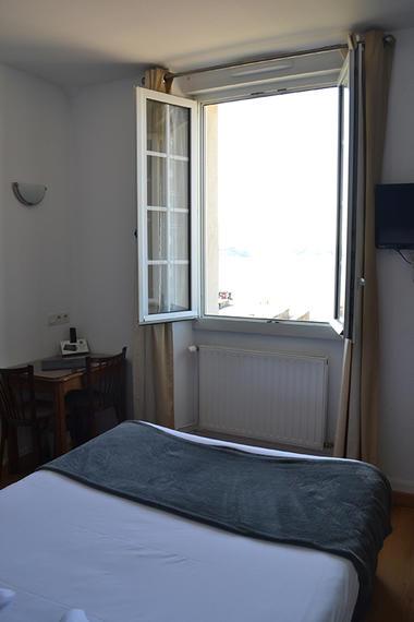Hôtel - Porte Saint-Pierre - Saint-Malo