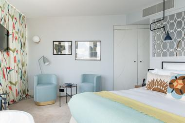 Hotel-Castelbrac-Dinard-chambre-double-et-salon-2