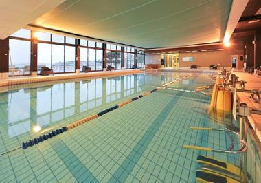 Hotel-Dinard-Thalassa-piscine-couverte