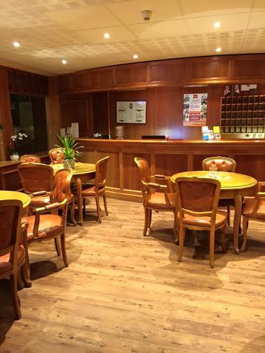 Hotel-les-Tilleus-Dinard-salle-de-restauration