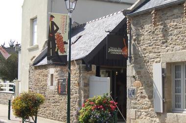 La Maison des Johnnies et de l'oignon rosé