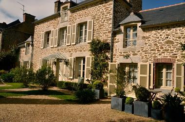 Le-Berceul-Duault-Annie-et-Rene-La-Richardais-facade