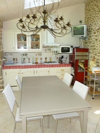 Le-Berceul-Duault-Annie-et-Rene-La-Richardais-salle-a-manger