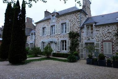 Le-Berceul-Duault-La-Richardais-Facade