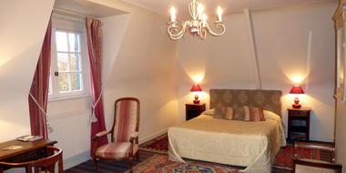Le-Clos-du-Pont-Martin-Coupliere-Daniel-Saint-Briac--chambre-blanche-3