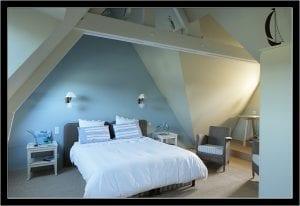 Le-Vieux-Logis---Vautier-Ginette-Saint-Briac-chambre-double-bleu