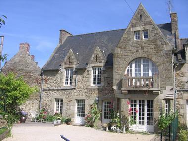 Le-Vieux-Logis-Vautier-Ginette-Saint-Briac-facade