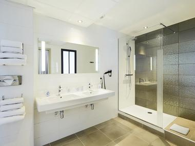 Salle d'eau - Kyriad Prestige - Saint-Malo