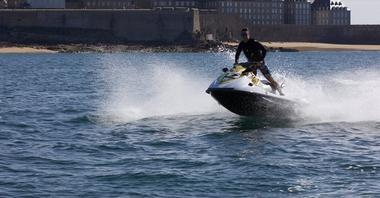 Loisirs-Nautic Motor's Evasion-Saint-Malo