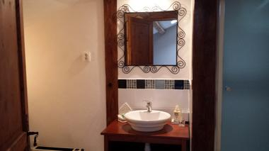 Chambres d'hôtes Les tilleuls, salle de bains, Saint Pé Delbosc