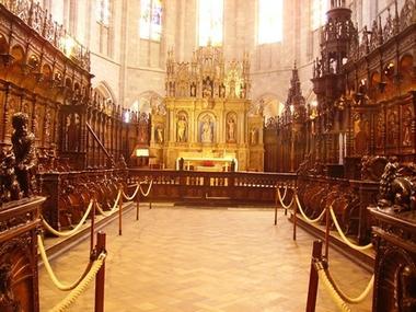 Choeur de stalles cathedrale ste marie SAINT BERTRAND