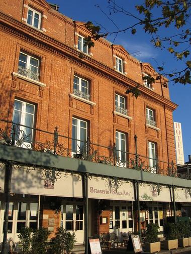 FACADE HOTEL DES BEAUX ARTS