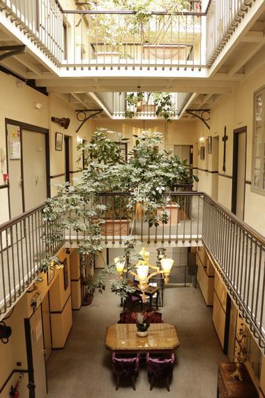 Le Patio intérieur 3 Grand Hotel Orleans TOULOUSE