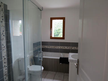 Salle-de-bain-Les-Volets-Verts