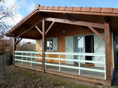 camping chalet gros plan RIEUX