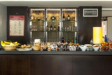 cerise_residence_de_diane_toulouse_petit_dejeuner_buffet (6)