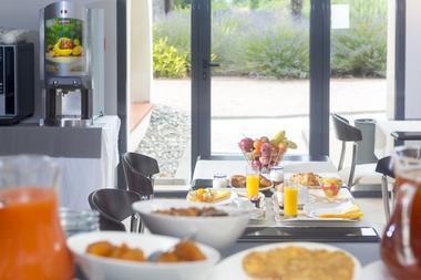 cerise_residence_de_diane_toulouse_petit_dejeuner_buffet (1)