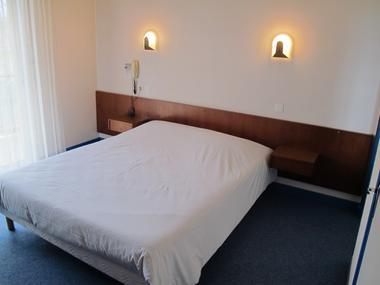 chambre double hostellerie-du-parc LABARTHE