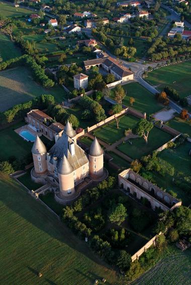 chateau bourdeau credit David BOURDEAU « Tête en Ciel »