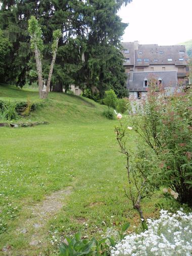 jardin maison gascon BAGNERES LUCHON