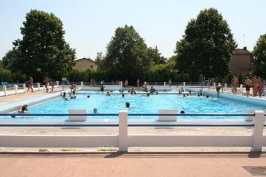 piscine BESSIERES