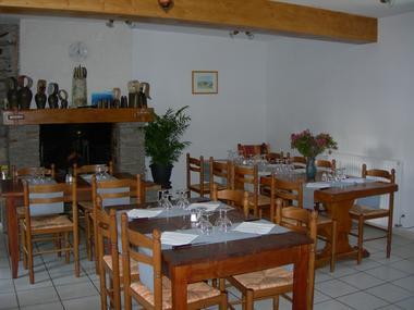 salle chez justau GOUAUX DE LUCHON