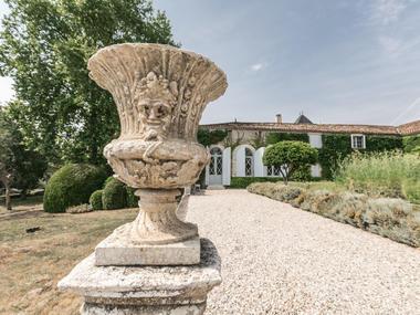 Château-Paveil-de-Luze8