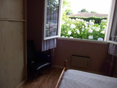 Location de vacances Mme Cheylat - Chambre rose - Carcans