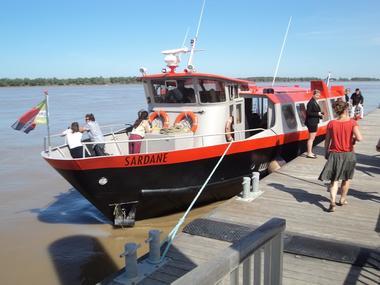 bordeaux-river-cruise-croisiere-sur-l-estuaire-de-la-gironde-blaye-la-sardane-800x600
