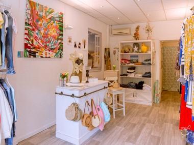 19-04-19-Carla-s-Boutique-011--002-