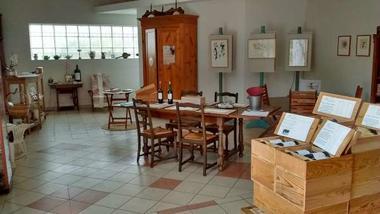 33. Château Vieux Robin salle dégustation 1