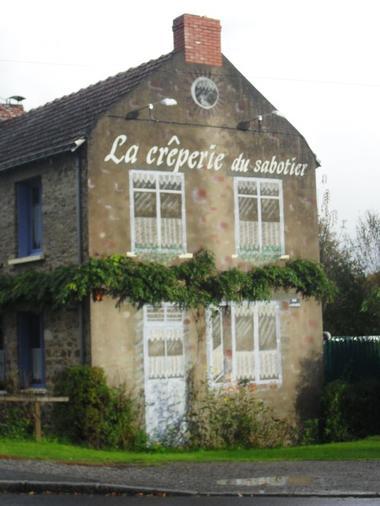 facade-de-la-creperie-du-sabotier-575078