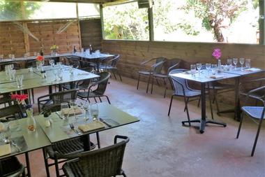 salle-de-restaurant-le-haut-marland-saint-andre-des-eaux-briere-1419914