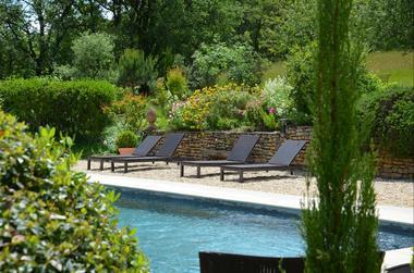 Gîte Rigoudau-Saint Denis les Martel-piscine
