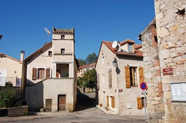 Bourg de Pradines
