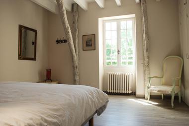 chambre avec lit de 180